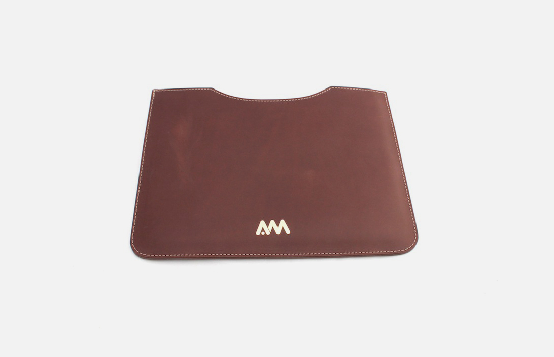 Housses ipad en cuir personnalis es hotel gift selection for Housse cuir ipad