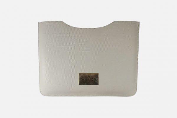 Custom leather iPad sleeves - Housses iPad en cuir personnalisées