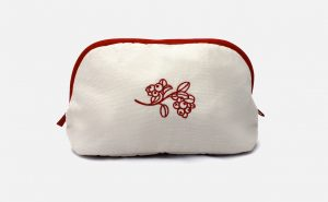 Custom embroidered cosmetic bags - Trousse de toilette personnalisée