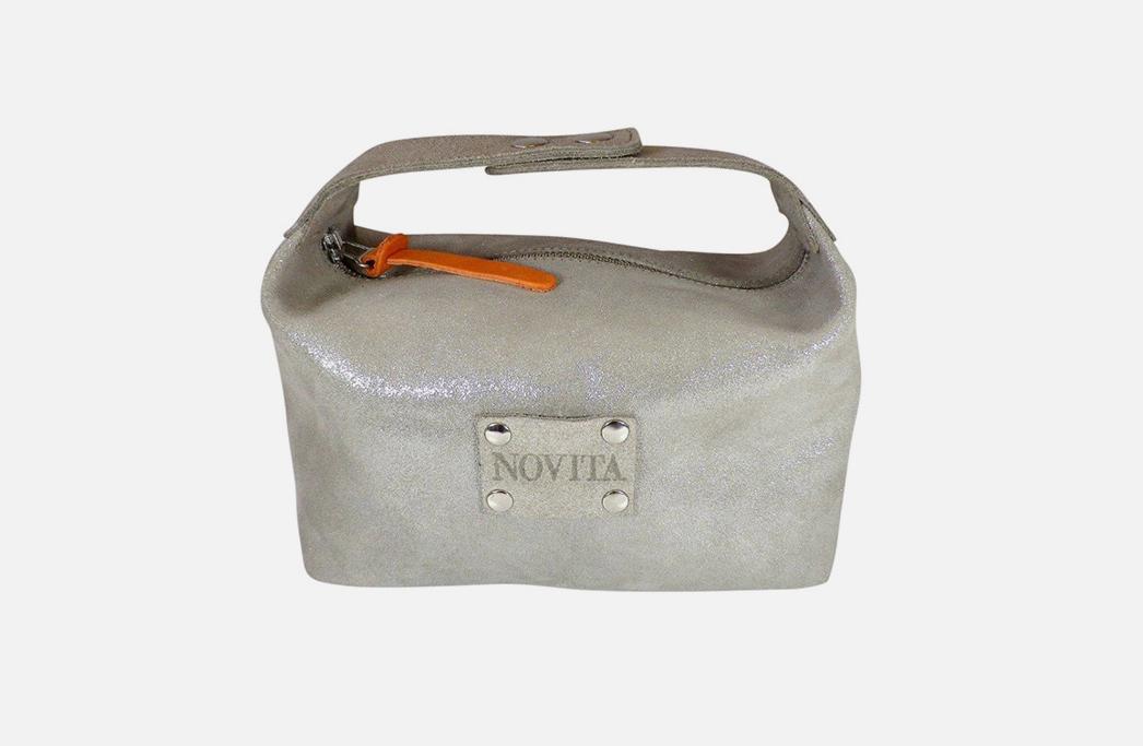 Custom leather cosmetic bags - Trousse de toilette en cuir personnalisée