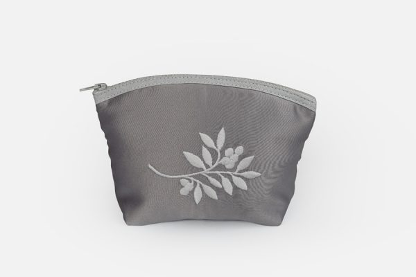 custom embroidered makeup bags;trousse de maquillage brodée