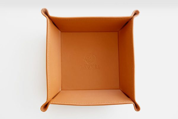 Personalized hotel leather tray, Vide-poche en cuir personnalisable