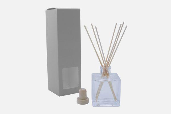 customized reed diffusers; diffuseurs de parfum personnalisés