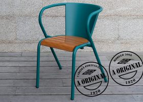 5008 Portuguese chair in steel and slatted wood chaise portugaise 5008 en métal et lattes en bois