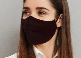 Triangle cotton face masks;Masques triangulaires en coton